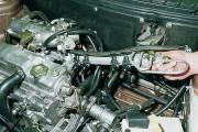 Как снять топливную рампу форсунок?