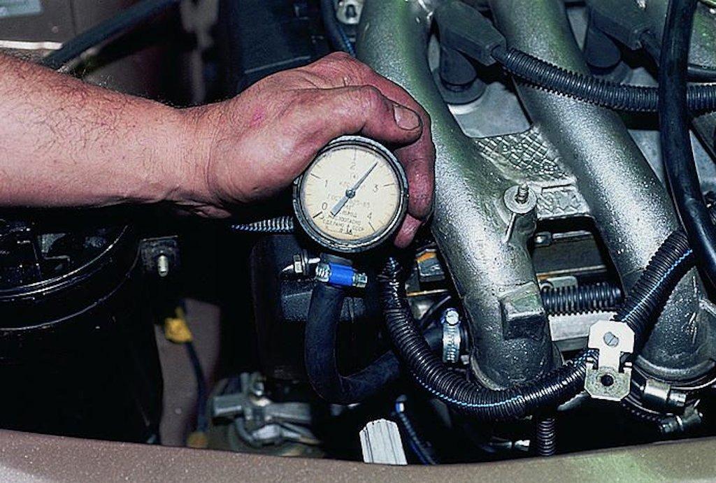 Замер давления в топливной рампе